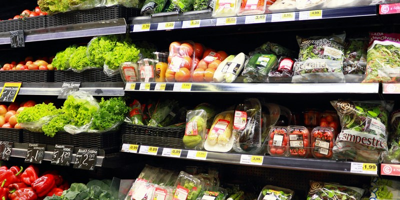 The potential health risks of bagged and prepackaged lettuce