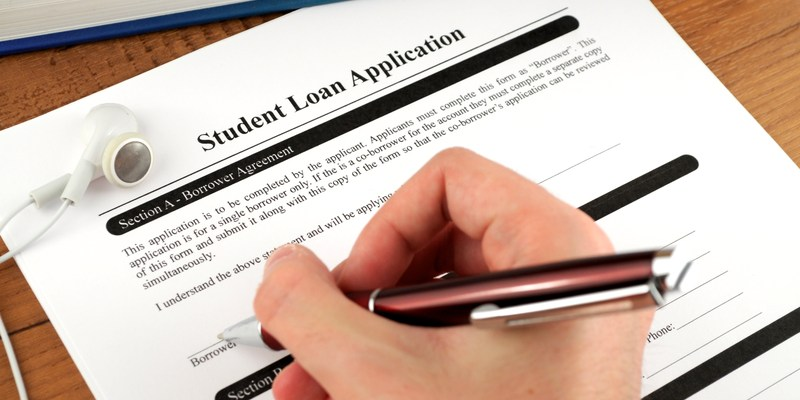 Why parents should never cosign a student loan