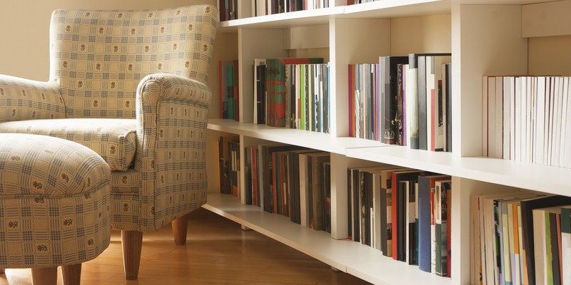 A monthly New Year's plan to declutter your home