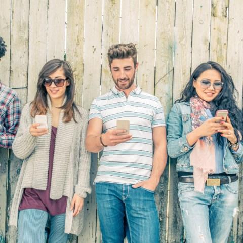 7 great smartphone deals under $200