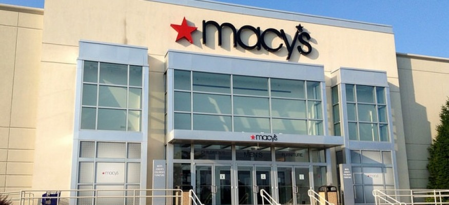 Rival department store in talks to take over Macy's, report says