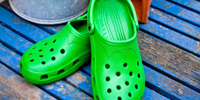 Crocs to pull the plug on 160 stores