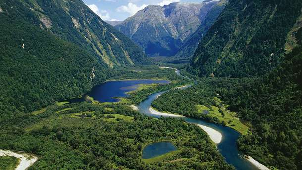 New Zealand offering free trips for job interviews