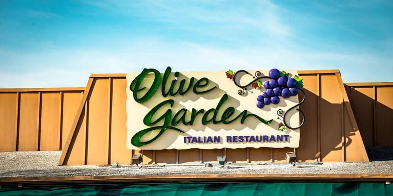 Olive Garden restaurant exterior sign