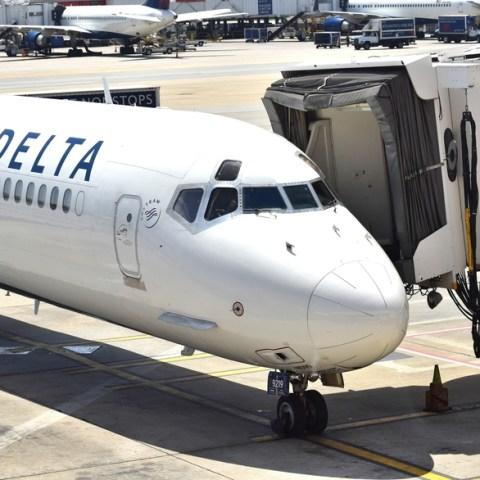 Delta passenger removed from flight for taking a bathroom break