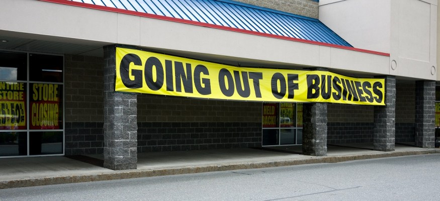 10 retailers most likely to file for bankruptcy in 2017