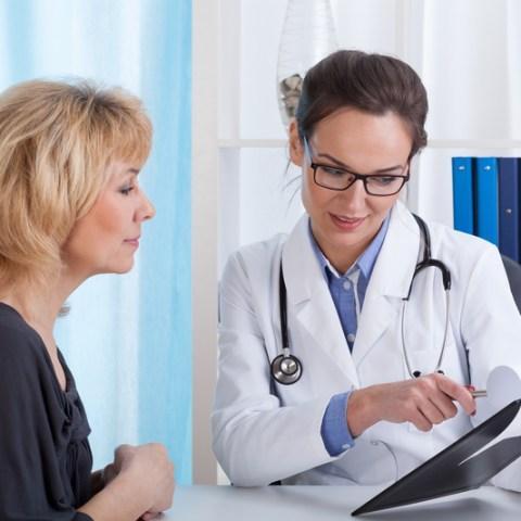 doctor with patient ile ilgili görsel sonucu