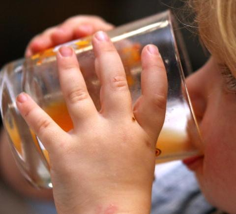 New guidelines: Children should be drinking a lot less fruit juice