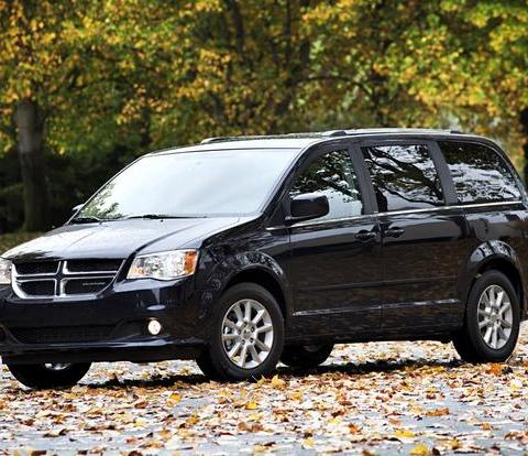 Chrysler recalls nearly 300,000 minivans over faulty airbags
