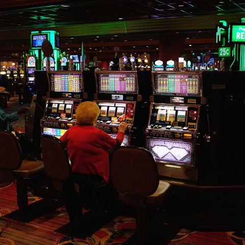 Woman offered steak dinner in lieu of $43 million jackpot sues casino