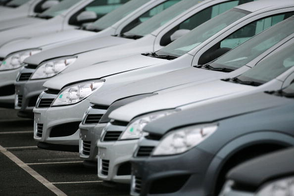 Buy or lease a vehicle? New numbers show monthly payments in both scenarios