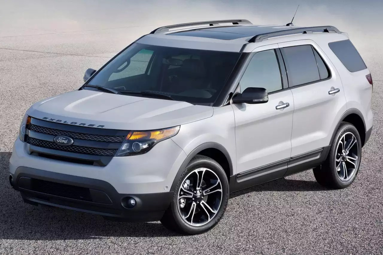 Feds expand investigation into exhaust fume leak inside Ford Explorers