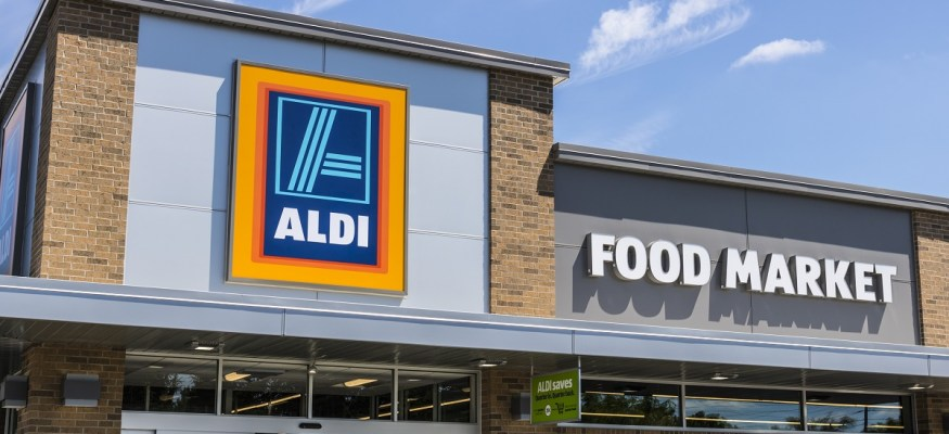 Exterior of Aldi grocery store