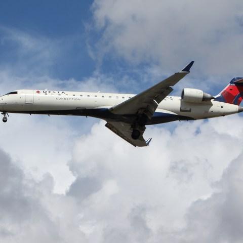 Airlines waiving rebooking fees as Hurricane Harvey makes landfall