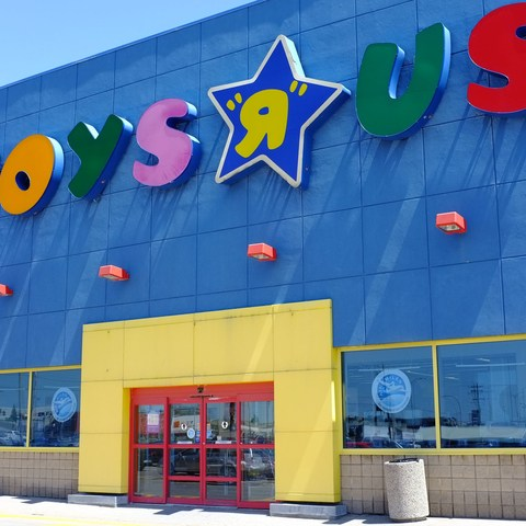 """Toys""""R""""Us files for bankruptcy: 3 things to know"""