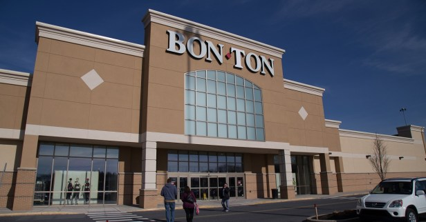 Bon-Ton closing stores in 2018