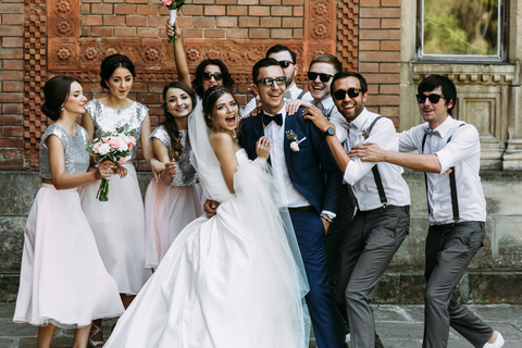 Holy matrimony! Members of wedding parties spend up to $1,000 on average, study says