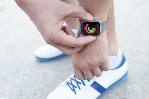smartwatch apple watch fitbit