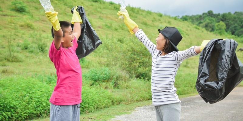 children volunteer