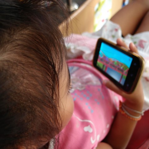 Child advocates: YouTube ads spying on kids