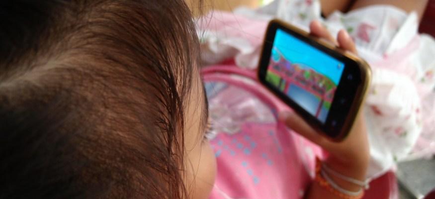 Child advocates: YouTube ads spying on kids