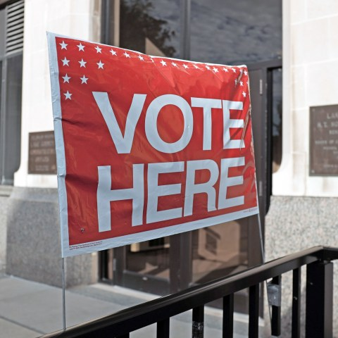 Uber, Lyft giving free rides to the polls on Election Day