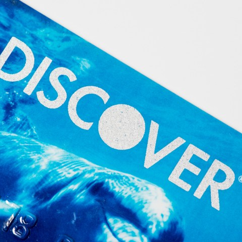 Discover drops bank fees on deposits