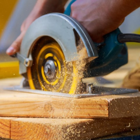 The Best Time and Place to Buy Power Tools