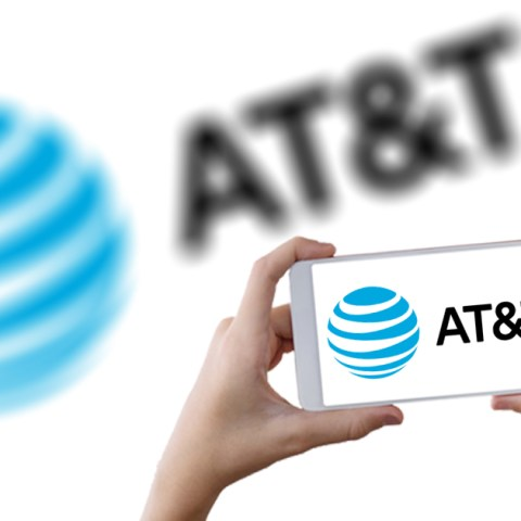 5 Things to Know Before You Sign Up for AT&T Prepaid