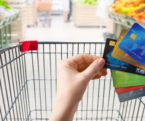 Warning: Read this before using a cash back credit card to buy groceries
