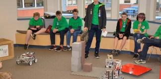 Steel Hearts Robotics 4-H Club demonstration at Gause JMS presented information