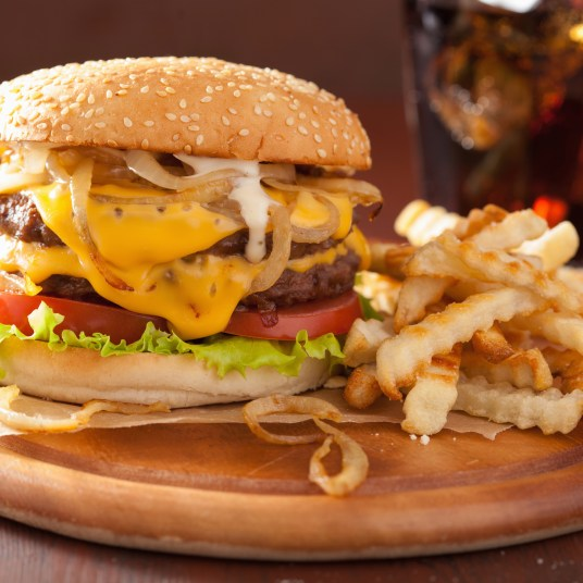 National Cheeseburger Day: 20 delicious deals & freebies!