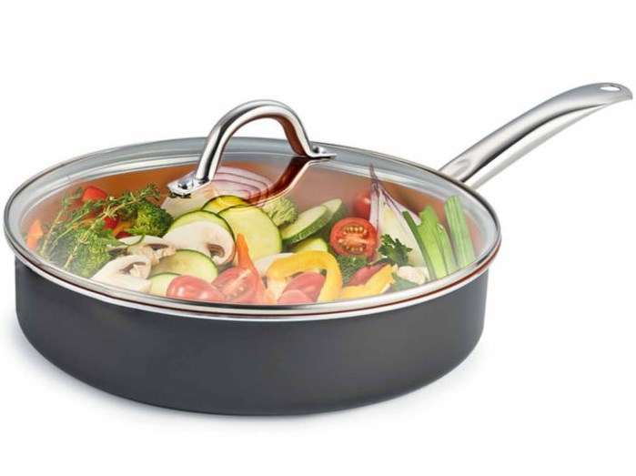 Cooks 4.5-qt. jumbo dutch oven with glass lid for $5 after rebate