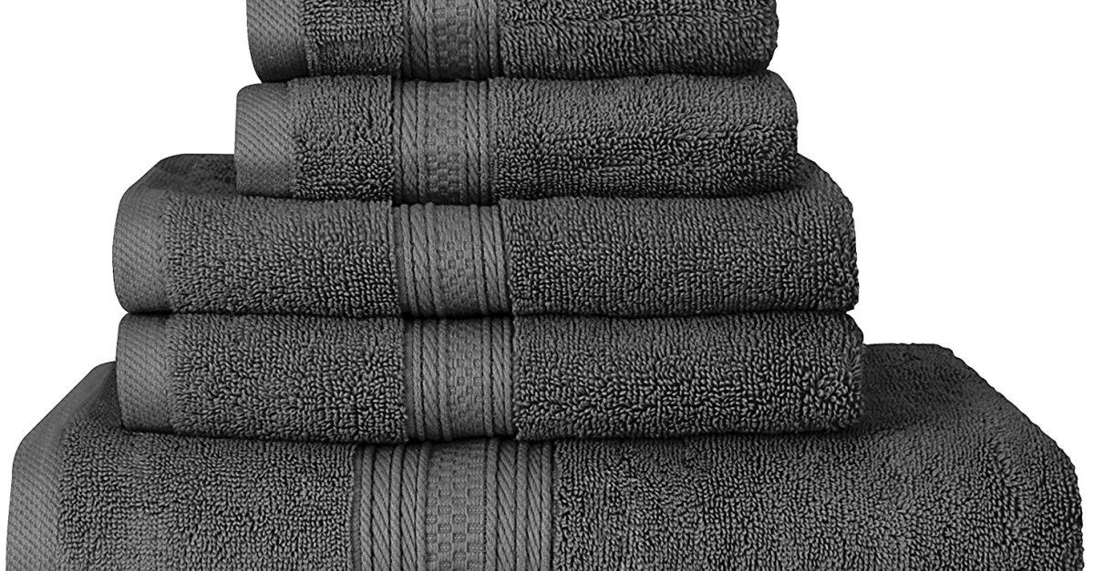 Premium 700 GSM 8-piece towel set for $24