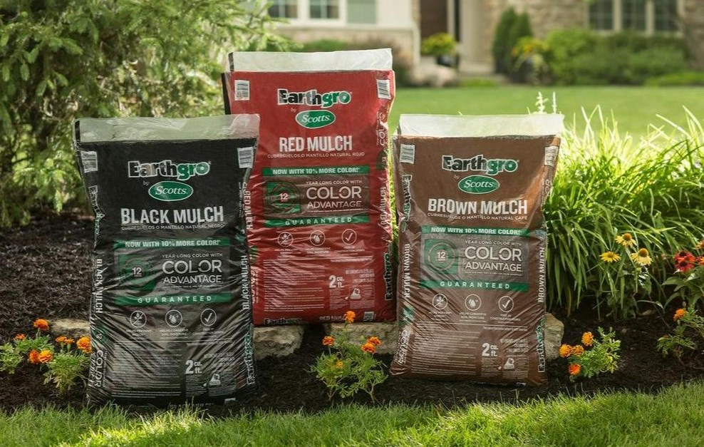 Ends soon! Bags of Scotts Earthgro mulch for $2 each