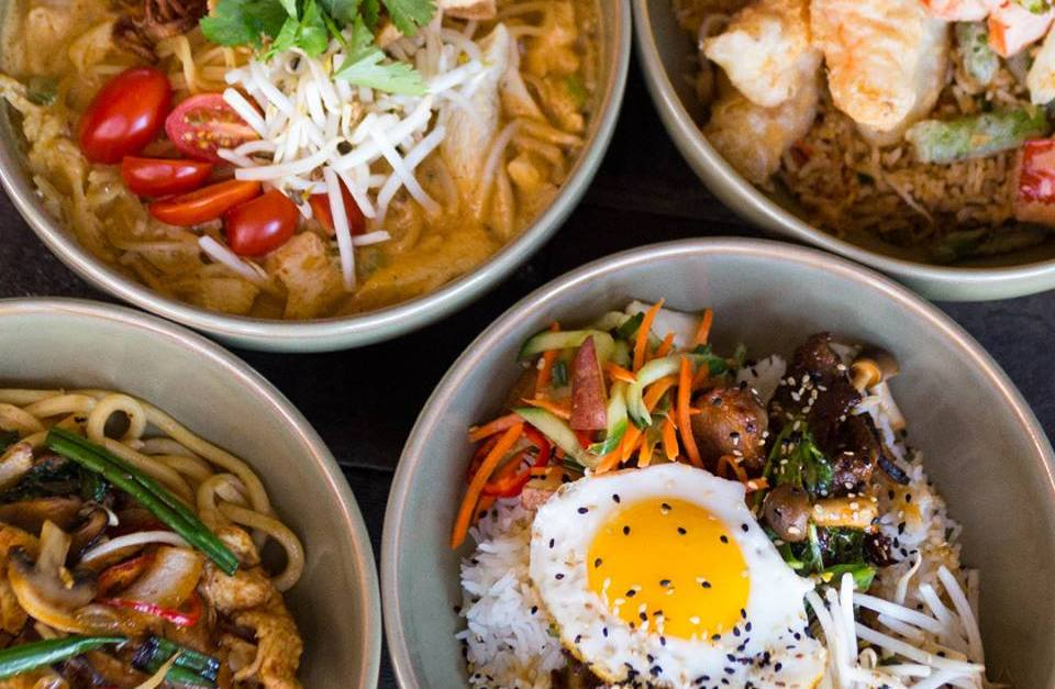 P.F. Chang's: Enjoy a FREE lunch bowl with entrée purchase