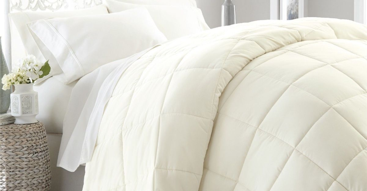 Ultra-soft lightweight down alternative comforter from $33