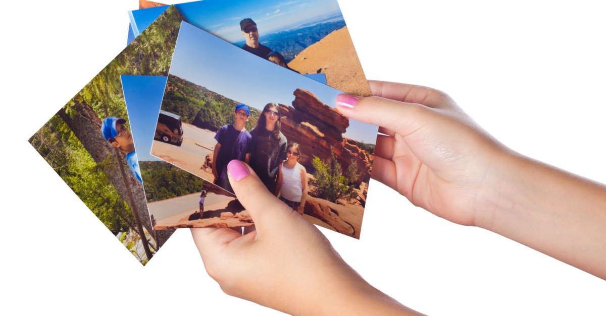 Get 5 FREE 4×6″ photo prints at Walgreens