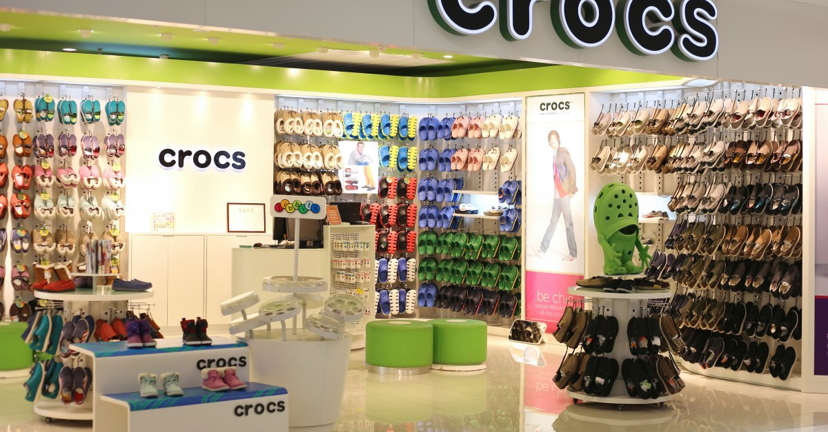 Crocs coupon code: take 25% off sitewide