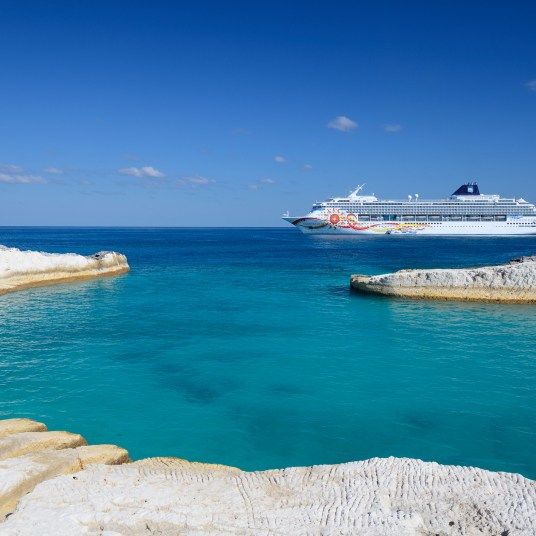5-night Bahamas cruise on Norwegian from $129