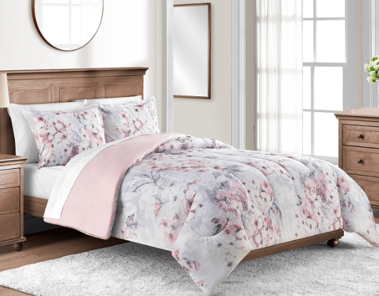 Ends today! Any-size 3-piece comforter set for $20 at Macy's