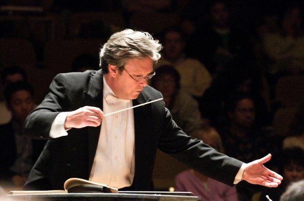 David Milnes, director musical de la Orquesta Sinfonica de la Universidad de Berkeley