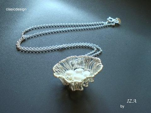 coliere -bijuterii lucrate manual