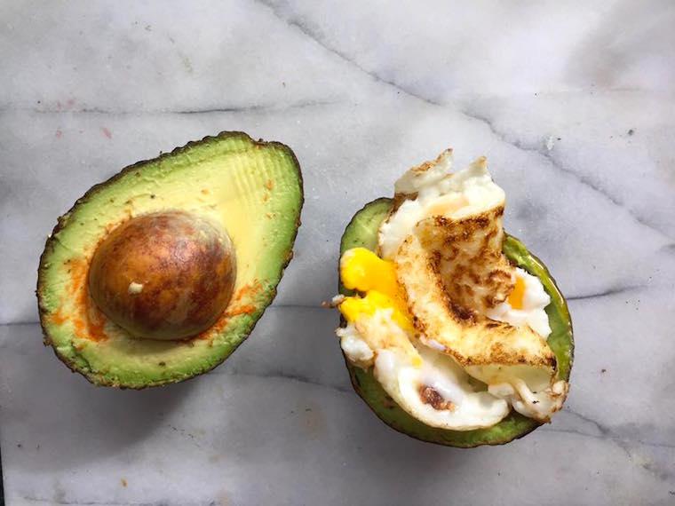 scrambled-avocado-egg-breakfast-brunch