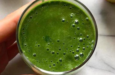 apple-spirulina-smoothie