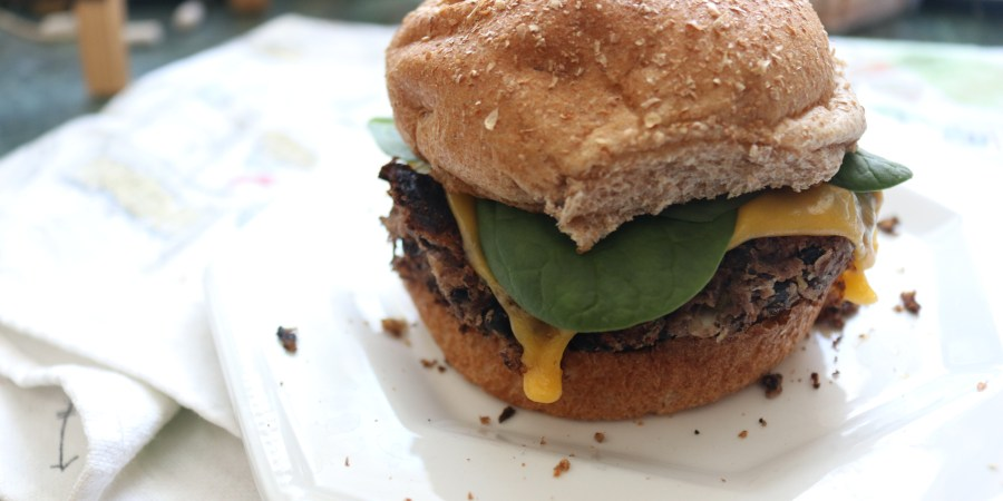 homemade-healthy-black-bean-veggie-burger