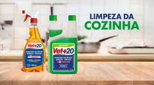 Desinfetantes Vet+20 sobre o balcão da cozinha