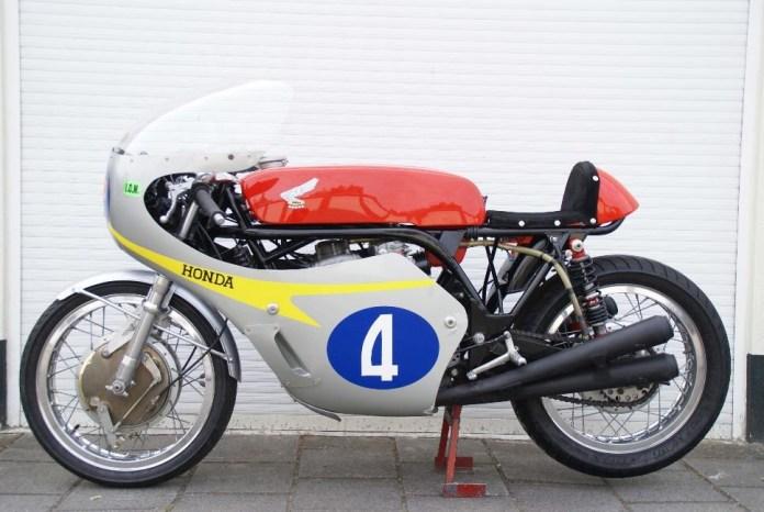 Nguyên bản Honda RC172 đời 1966