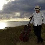 Damien Ventula, violoncelliste.