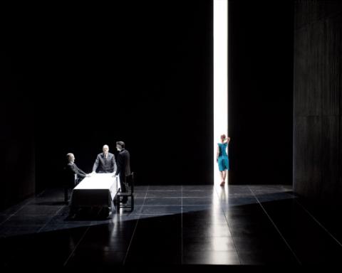 Au Monde © Elizabeth Carecchio à l'Opéra Comique